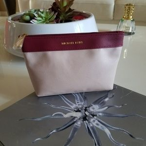 Michael Kors Makeup bag 👝